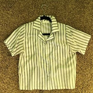 Tops - Striped collared shirt 🧚‍♀️ super trendy
